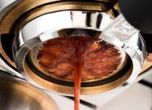 preparar cafe en una Cafetera expreso
