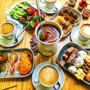 fondue de chocolate y otras comidas