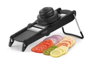 Una Mandolina De Cocina Es Un Utensilio Metálico Liviano Y Compacto Que Se  Emplea Para Picar Verduras, Queso, Jamón Y Frutas En Distintos Tipos De  Trozos ...