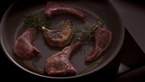 carne en la sartén