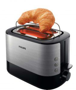 tostadora con un croissant