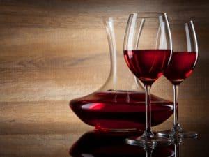 decantador de vino y copas