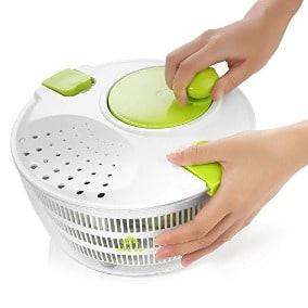 usar centrifugadora para ensalada