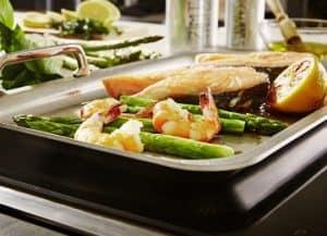 plancha teppanyaki con comida