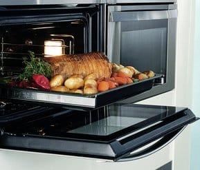 horno encastrable con comida