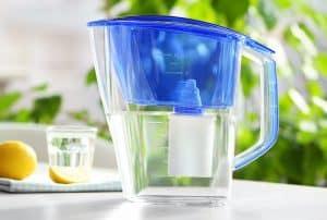 jarra de agua filtrada