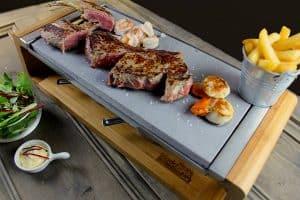 plancha grill con piedra de madera