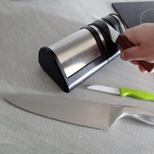 afilador de cuchillos eléctrico moderno