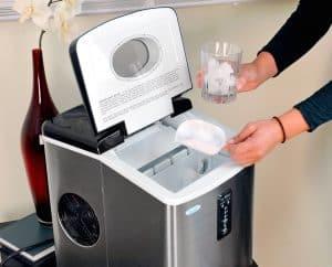 usar máquina de hielo