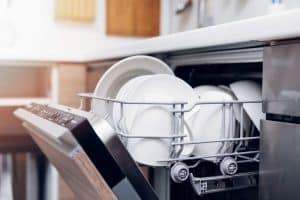 lavavajillas en la cocina