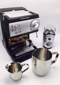 varios accesorios para cafetera